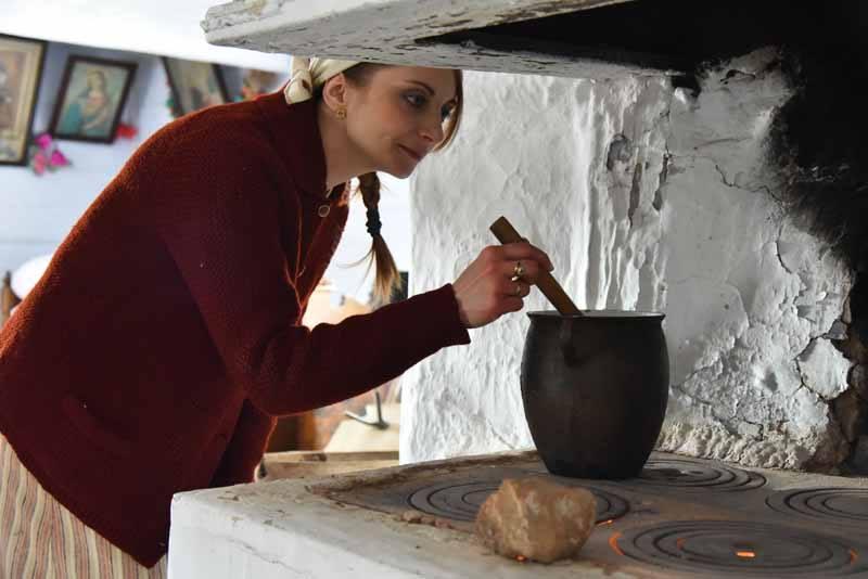 pokaz gotowania barszczu wielkanocnego w żukowie